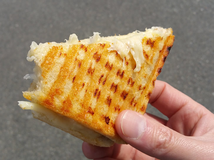 Victorias-best-grilled-cheese-charellis-cheese-shop-delicatessen-catering-victoria-british-columbia-20150404_135151-728x544