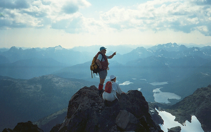 recreation-hiking-3-golden-hinde-summit-strathcona-park-british-columbia