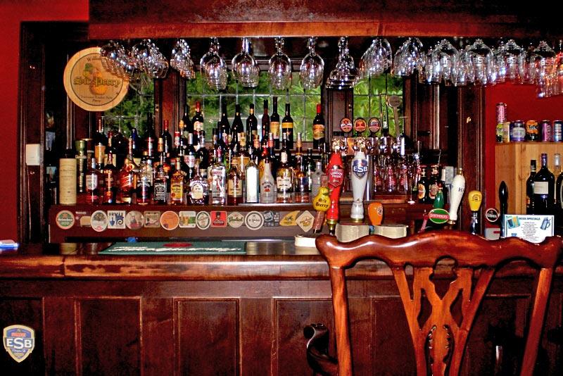 Black Goose Inn Bar, Beach Acres Resort, Parksville, Vancouver Island, British Columbia