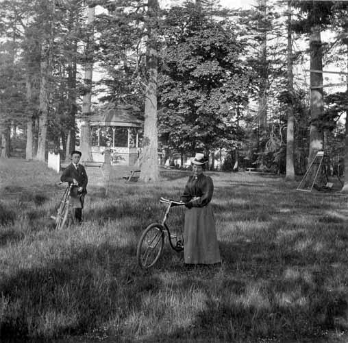 15 Haunted Places in Victoria, Vancouver Island, British Columbia, Canada: Beacon Hill Park