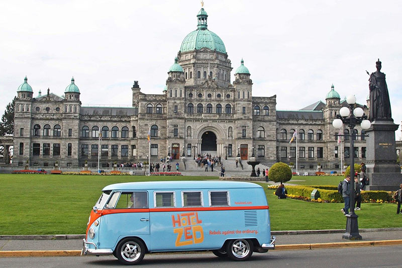 Hotel Zed: The Coolest Downtown Shuttle Buses in Victoria BC: Doris in front of the Legislature